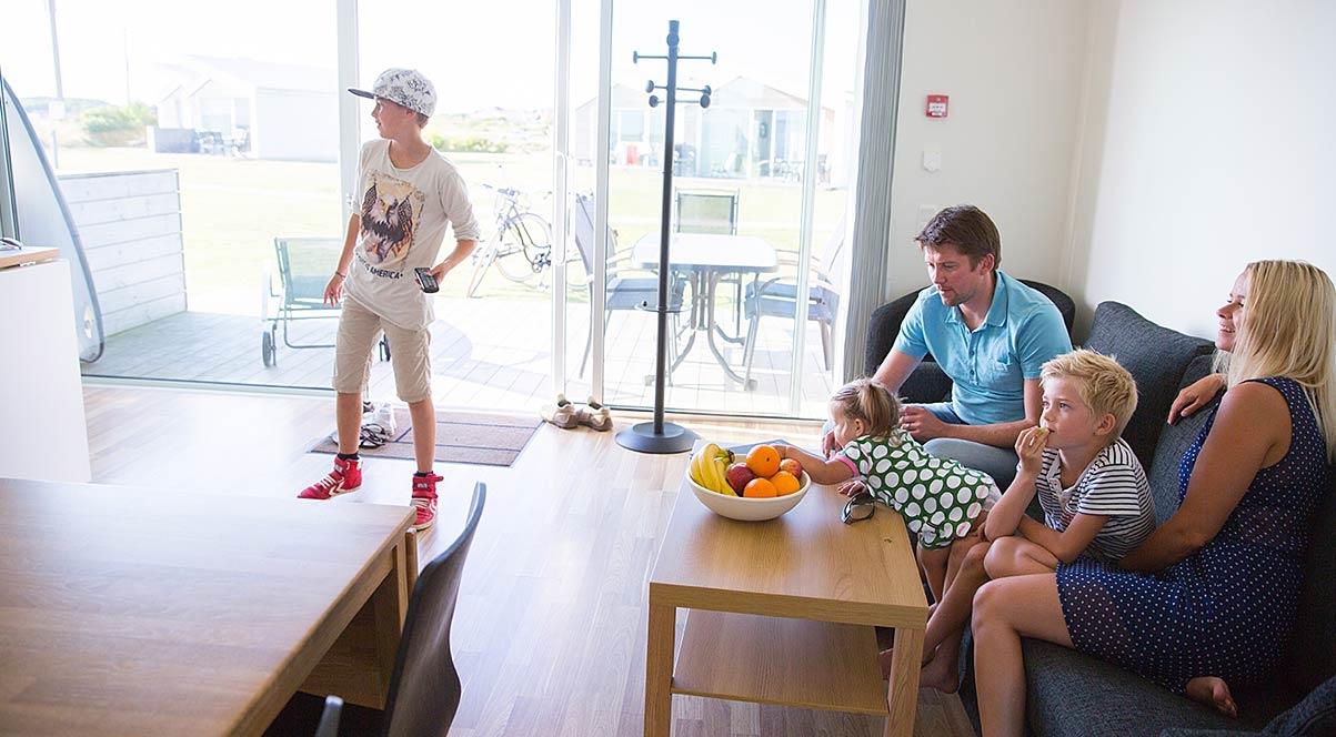 Apelvikstrand familj inomhus